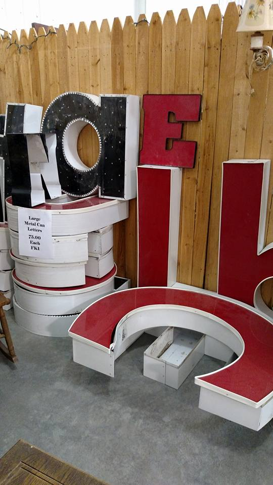 mall-11-26-16-letters