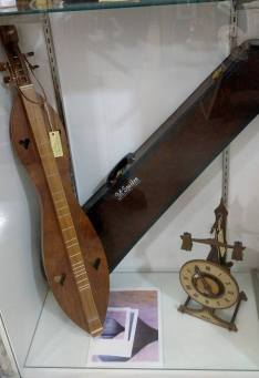 mall-12-17-16-sold-dulcimer